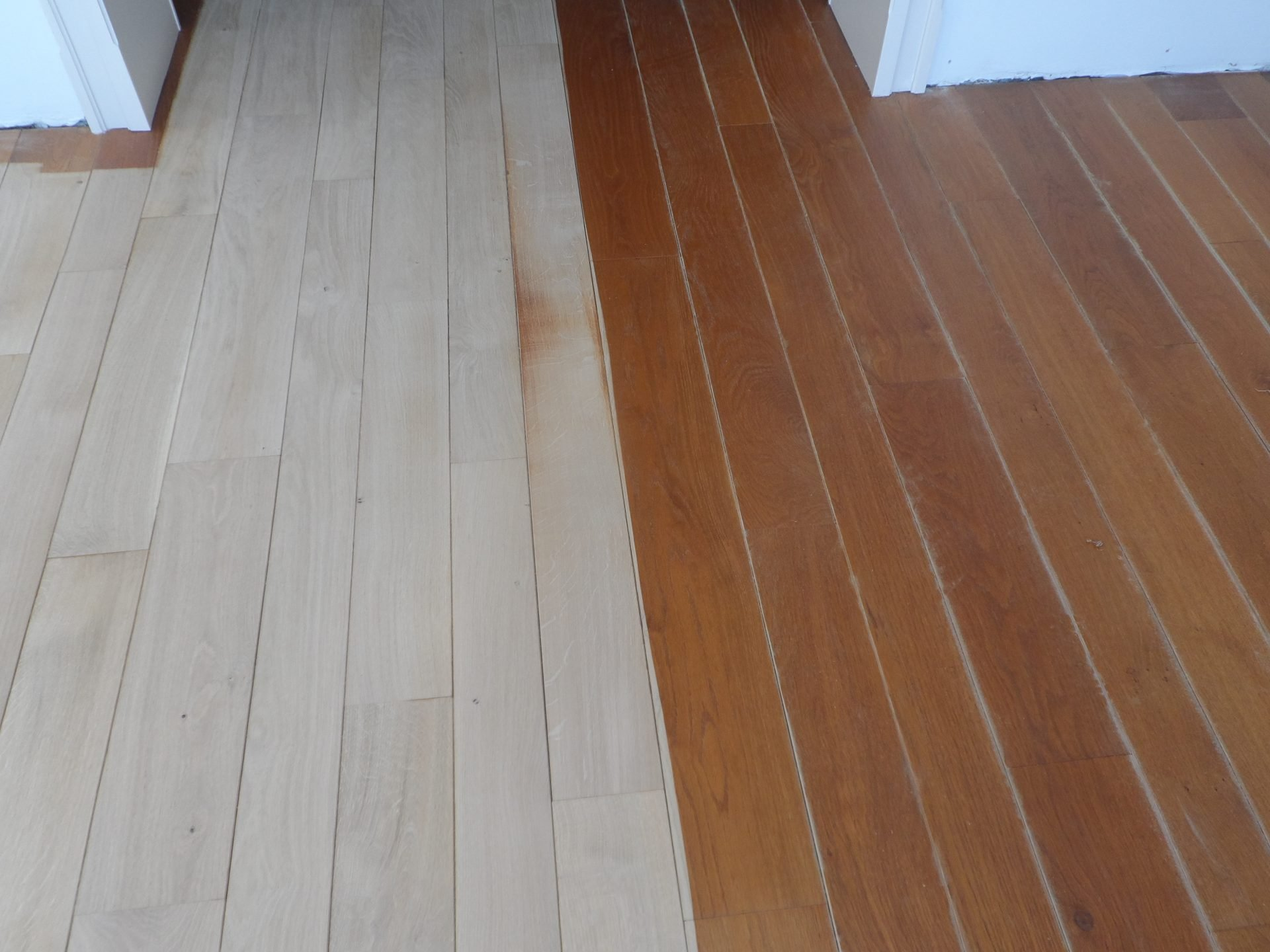 7-eiken-tapisvloer-en-trap-gerookt-ingekleurd-met-extra-wit-12