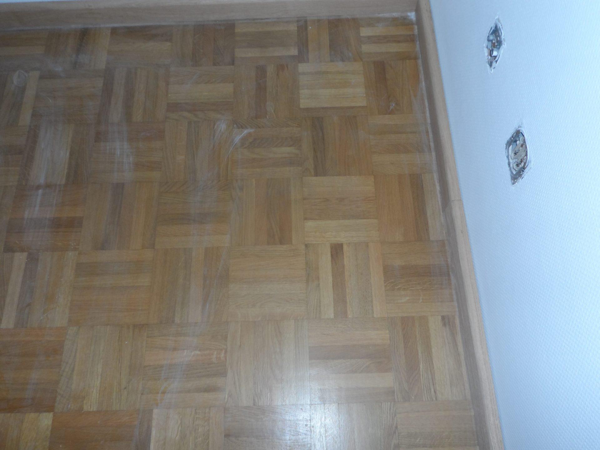 Eiken-mozaiekvloer-schuren-roken-en-inkleuren-met-naturel-wit-en-afgewerkt-met-een-naturelle-olie-1