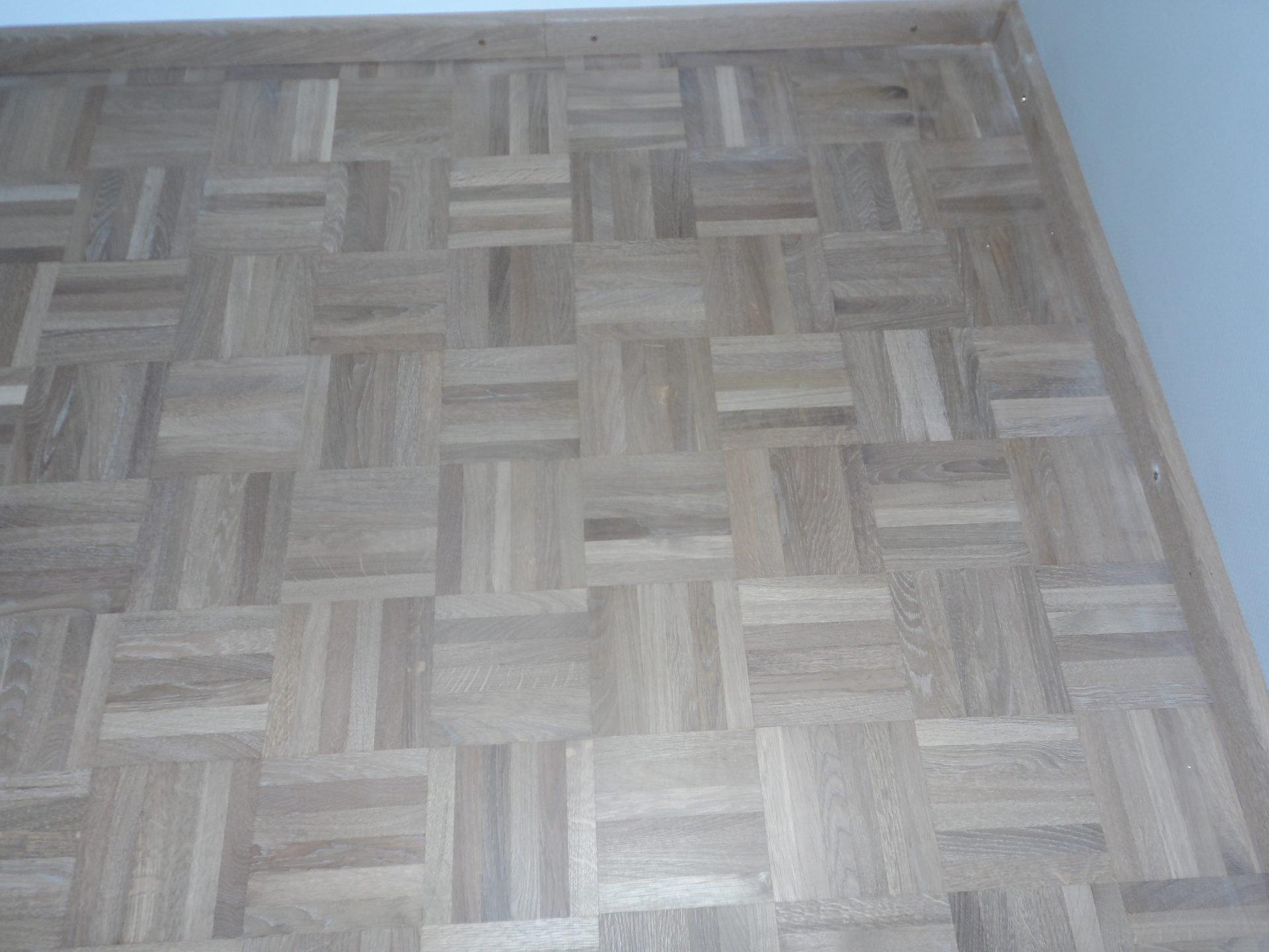 Eiken-mozaiekvloer-schuren-roken-en-inkleuren-met-naturel-wit-en-afgewerkt-met-een-naturelle-olie-12