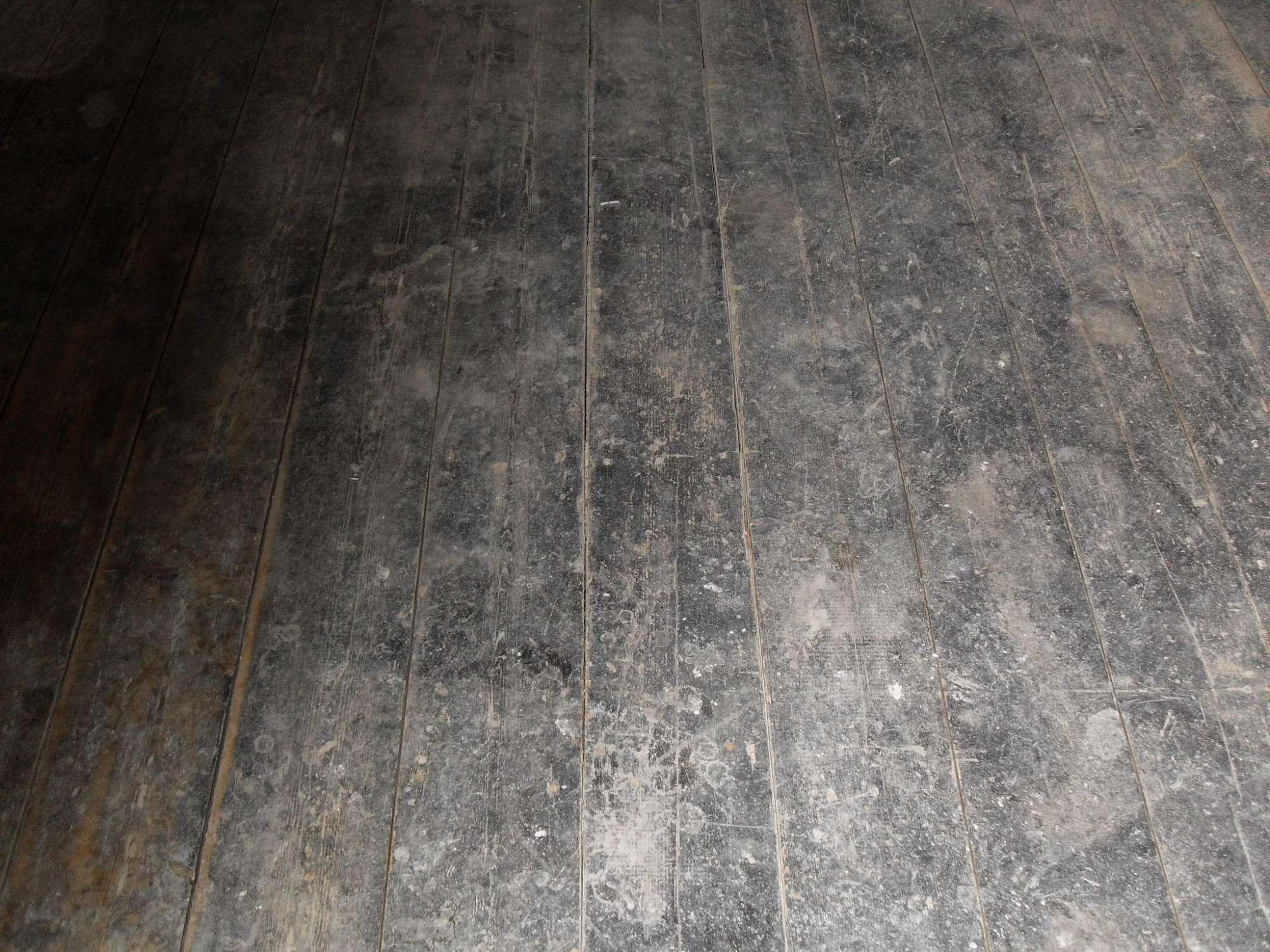 grenen-vloer-voor-en-na-renovatie-bruin-middel-olie-7